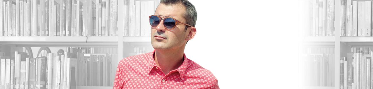 """<h3><strong>David Pellicer</strong></h3><p>Empresari. CEO d'Ètnia Barcelona</p><p>"""" L'Escola em va donar una visió nova de les persones, de les famílies i de l'educació. Hi havia bona gent, gent amb valors""""</p>"""