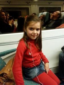 Hija de Sonia Hernandez en el tren camino al encuentro